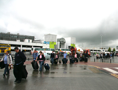 Trudging to our Irish bus at Dublin airport