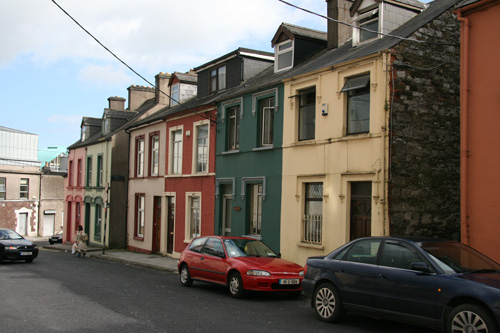 Row houses: two up, two down (rooms)